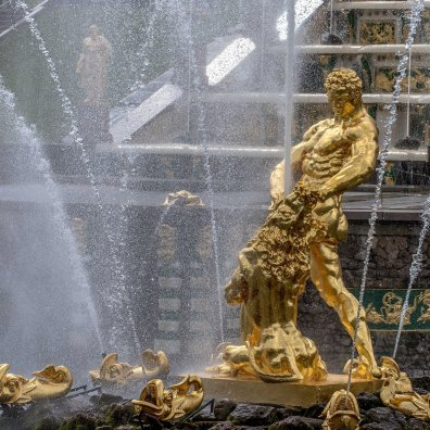 Peterhof Samson Fountain
